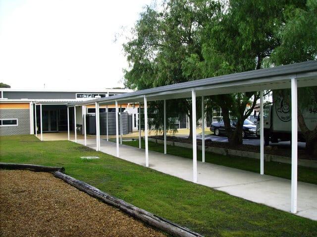 Tullamarine-Primary-walkway-school- Melbourne