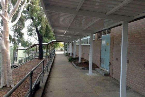 4 Blackburn English Lanuage - Colorbond school-cantilevered-walkway - Blackburn-1920