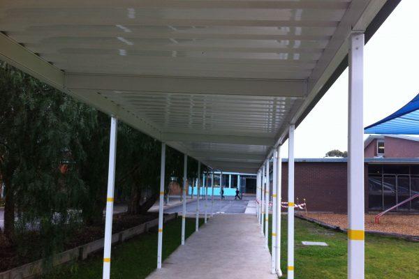 7 Tullamarine Primary School - Walkway between buildings - Tullamarine-1920