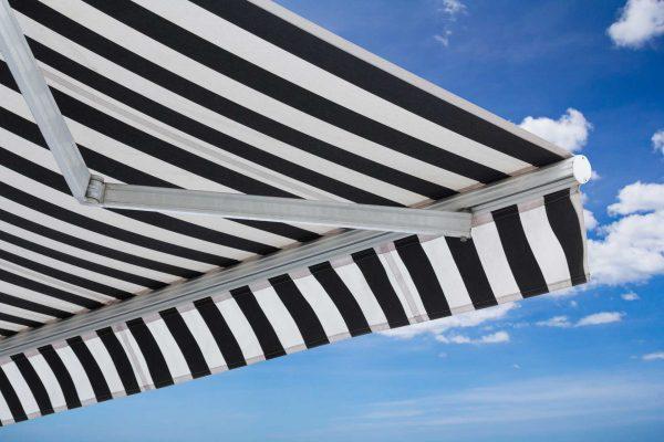 Retractable Australian awnings